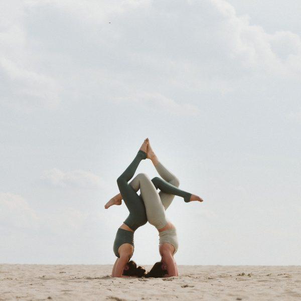 condividi lo yoga